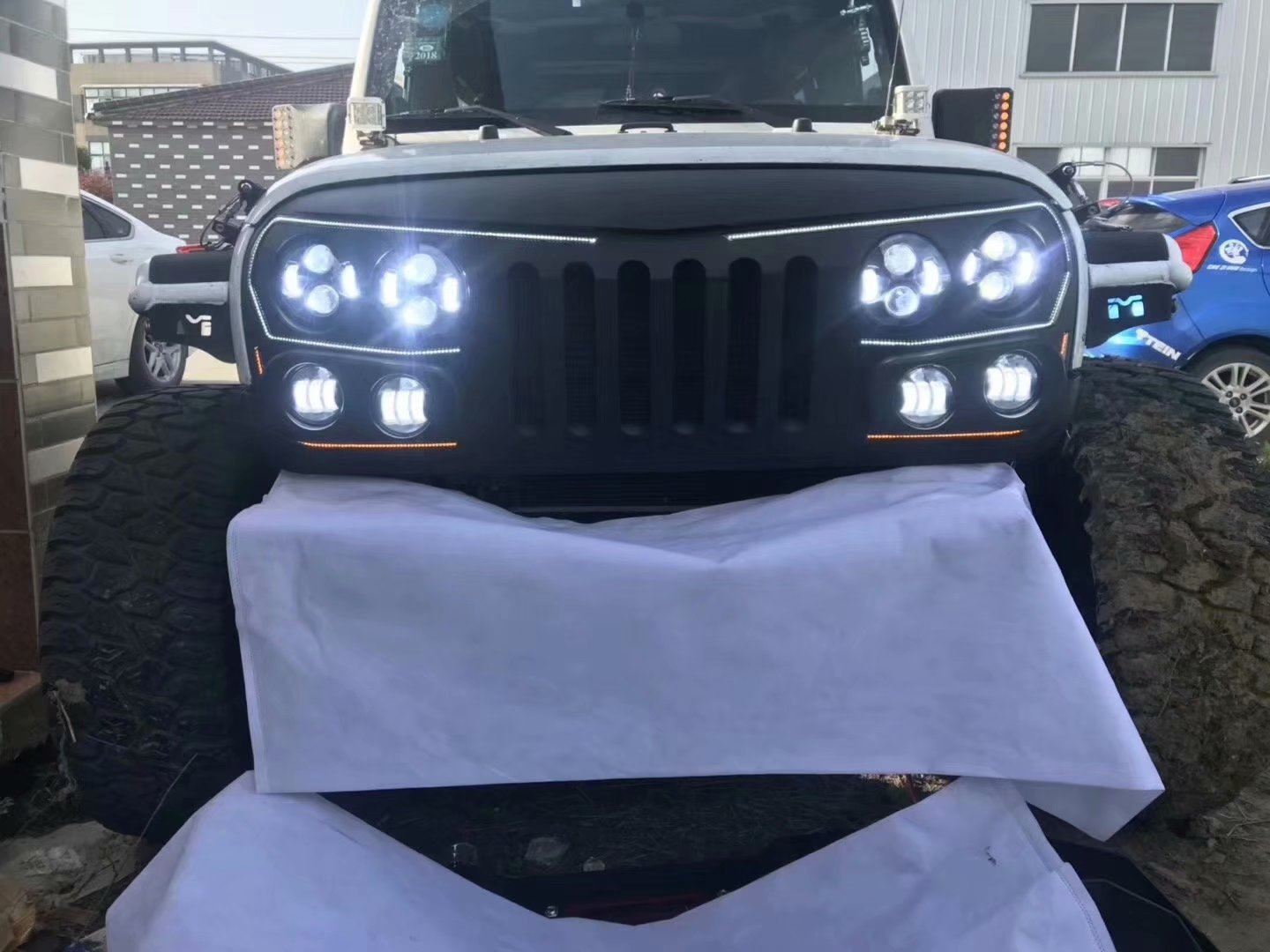 jeep-jk-dynamic-DRL-night-rider-led-grille-kit-1